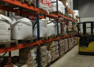 På lager finns 6 olika typer av puts/betong på storsäck.